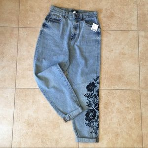 NWT Urban Outfitters Embroidered BDG Jeans sz 27